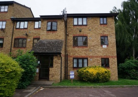 Crest Avenue,Grays,Essex,United Kingdom,1 BathroomBathrooms,Flat,Chevron House,Crest Avenue,1,1042