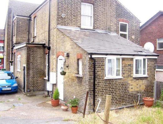 One Bedroom Flat to Rent in Bridge Court, Bridge Road, Grays, RM17